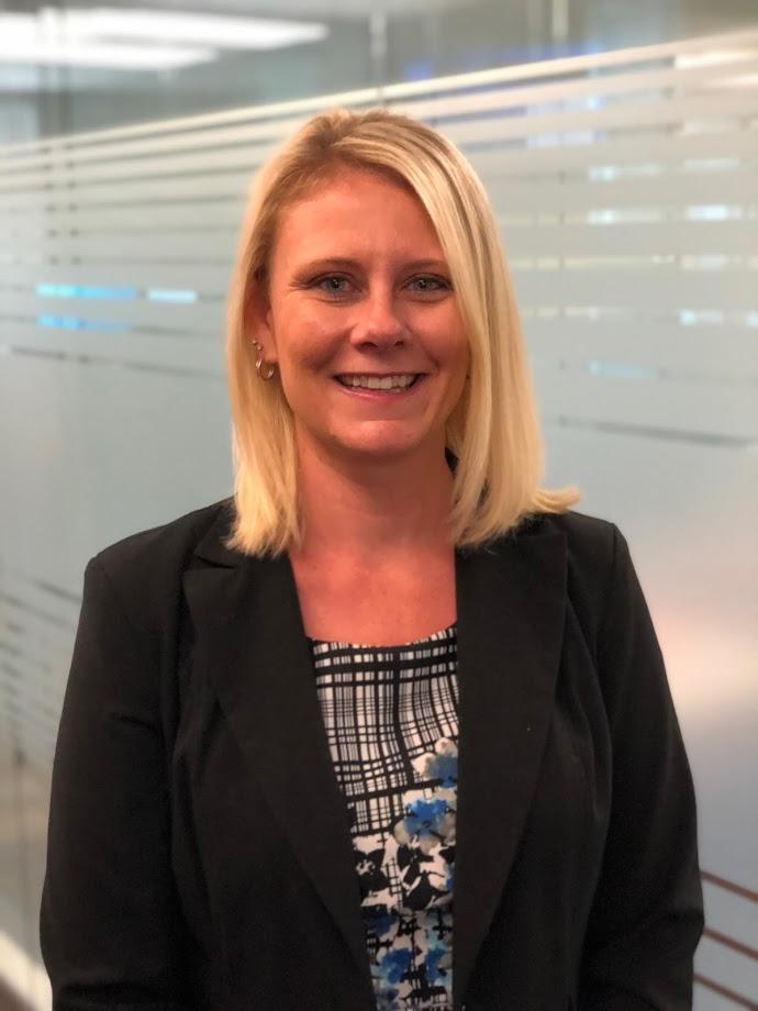 Lindsey Starnes : Senior Compliance Manager